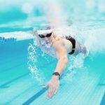 Mơ thấy bơi lội giải xui cho bản thân bằng cặp số nào?