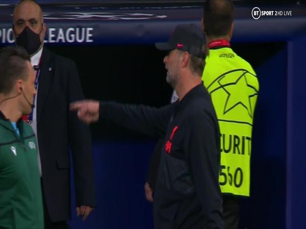 Tin bóng đá 20/10: Simeone không bắt tay Jurgen Klopp